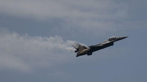 Vojni avion F-16 turske vojne avijacije - Sputnik Srbija