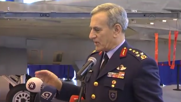 Bivši glavnokomandujući vazduhoplovnih snaga Turske Akin Ozturk - Sputnik Srbija