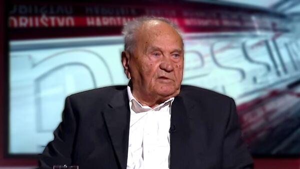 Југословенски и хрватски политичар Јосип Манолић  - Sputnik Србија