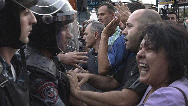 Sukob policije i demonstranata u Jerevanu - Sputnik Srbija