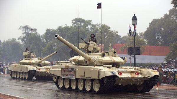 Тенкови на паради поводом Дана републике у Њу Делхију, престоници Индије - Sputnik Србија