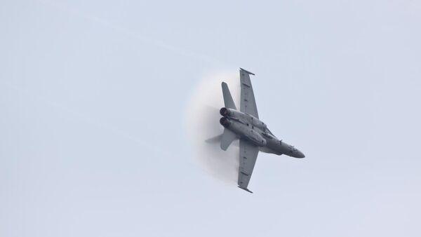 Амерички авион Ф-18 - Sputnik Србија