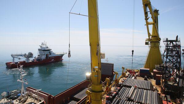 Izgradnja morskog dela gasovoda Džubga-Lazarevsko-Soči u Crnom moru - Sputnik Srbija