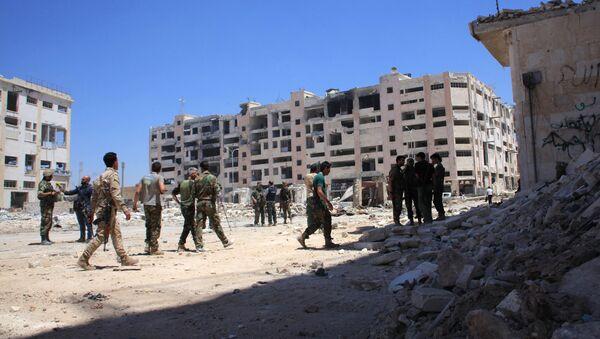 Патрола сиријске армије код улаза у Вани Зеид у области Лерамун на северозападу Алепа. - Sputnik Србија