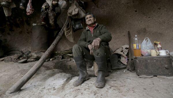 Pedro Luca, el ermitaño argentino que vive en una cueva desde hace 40 años - Sputnik Srbija