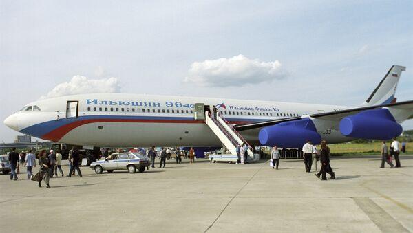 Руски авион Ил-96-400 - Sputnik Србија