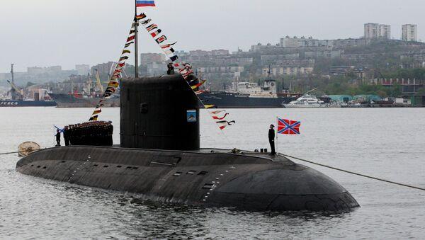 Dizel podmornica klase Varšavljanka na paradi u Vladivostoku - Sputnik Srbija