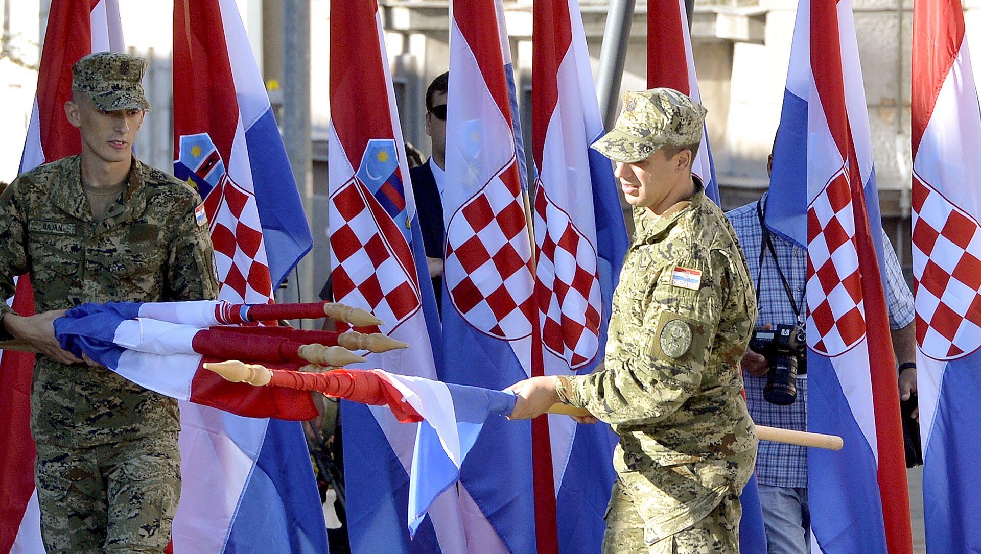 Podizanjem šahovnice na tvrđavi u Kninu je počela centralna proslava Dana pobede i domovinske zahvalnosti - Sputnik Srbija, 1920, 06.05.2021