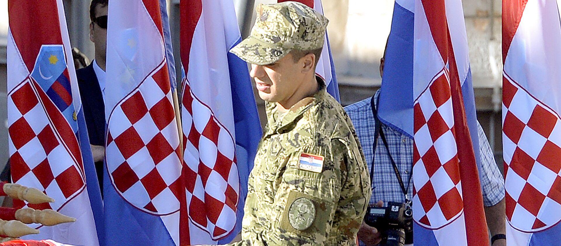 Podizanjem šahovnice na tvrđavi u Kninu je počela centralna proslava Dana pobede i domovinske zahvalnosti - Sputnik Srbija, 1920, 22.09.2020