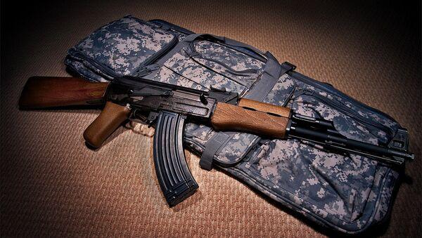AK-47 Калашњиков полуаутоматска пушка - Sputnik Србија