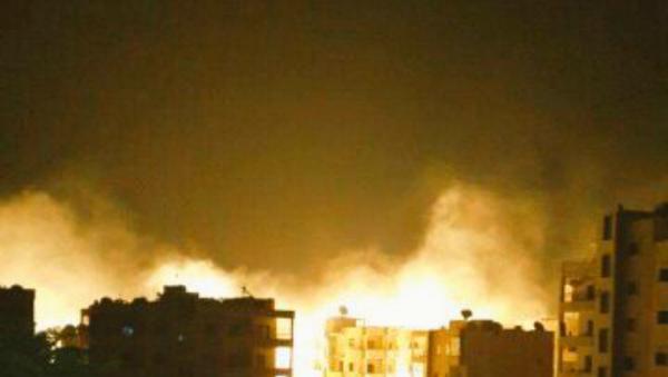 Руске и сиријске снаге бомбардују упориште Нусра фронта у граду Идлиб. - Sputnik Србија