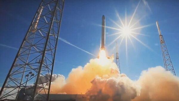 Lansiranje komunikacionog satelita u orbitu  - Sputnik Srbija