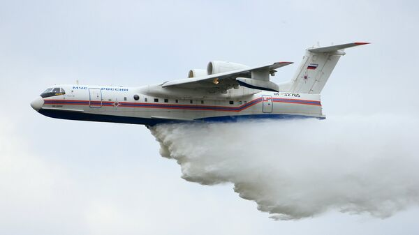 Avion Be-200ČS za gašenje požara - Sputnik Srbija