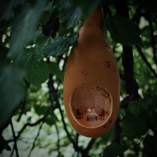 Добре ствари долазе у малим паковањима: Минијатурне лутке у љусци ораха - Sputnik Србија