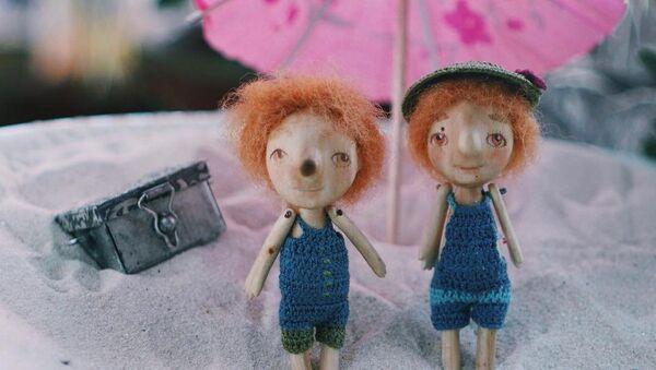 Dobre stvari dolaze u malim pakovanjima: Minijaturne lutke u ljusci oraha - Sputnik Srbija