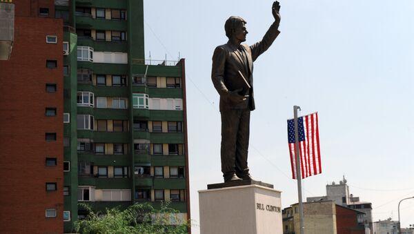 Споменик Билу Клинтону у Приштини - Sputnik Србија