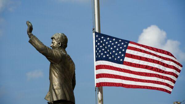 Spomenik Bilu Klintonu u Prištini - Sputnik Srbija