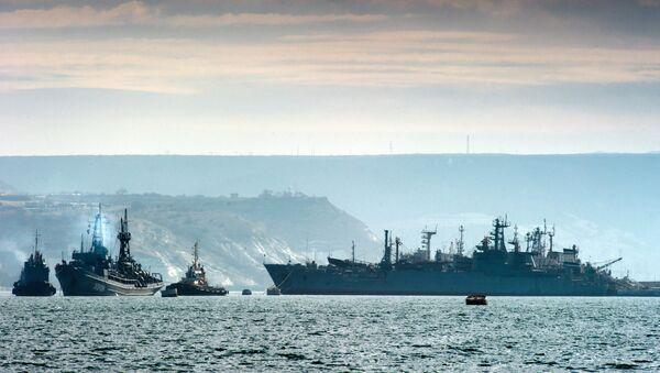 Brodovi Crnomorske flote u luci Sevastopolj. - Sputnik Srbija