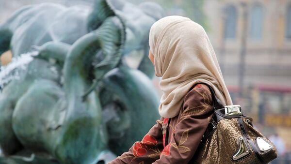 Девојка са хиџабом - Sputnik Србија