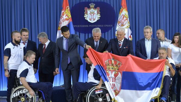 Predsednik Srbije Tomislav Nikolić sa srpskim paraolimpijcima - Sputnik Srbija