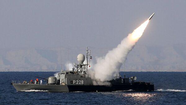 Иранска морнарица испаљује ракету Мехраб у Ормуском мореузу, Иран - Sputnik Србија