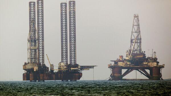 Нафтна постројења у Каспијском мору - Sputnik Србија