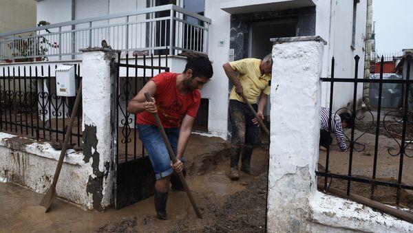 Stanovnici poplavljenih područja u Grčkoj - Sputnik Srbija