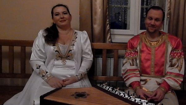 Руски гуслари Александар Усков и Марија Бељајева - Sputnik Србија