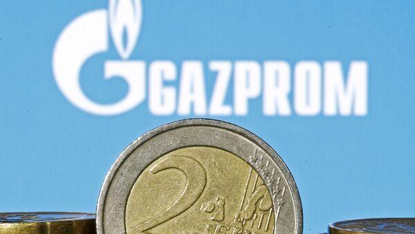 Evro ispred loga Gasproma - Sputnik Srbija