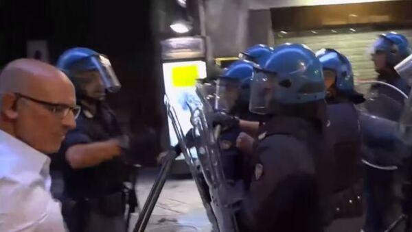 Italijanska policija nemiri - Sputnik Srbija