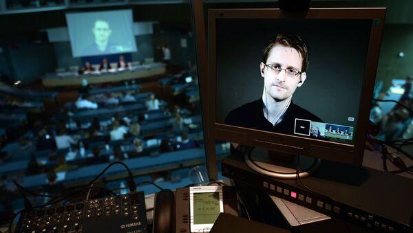 Bivši službenik američke Agencije za nacionalnu bezbednost (NSA) Edvard Snouden - Sputnik Srbija