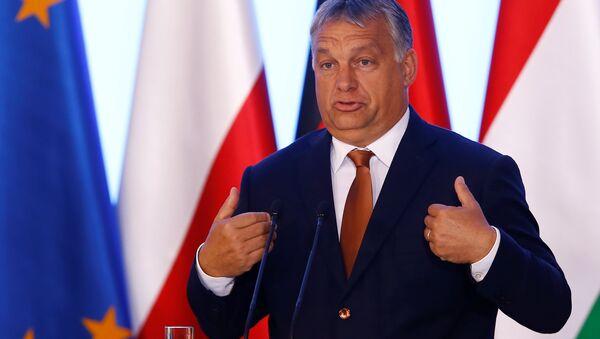 Виктор Орбан у Варшави. - Sputnik Србија