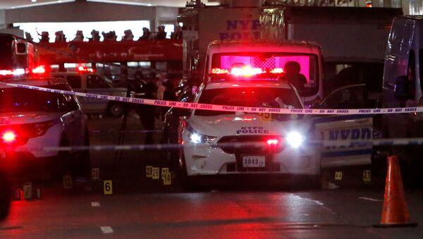 Америчка полиција на месту злочина на Менхетну у Њујорку. - Sputnik Србија