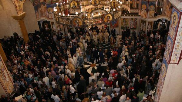 Верници у Саборном храму Светог Јована Владимира у Бару - Sputnik Србија