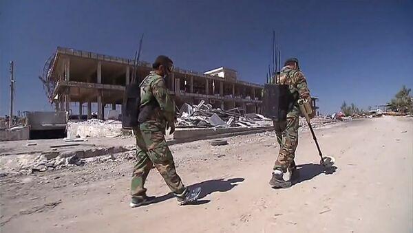 Sirijski demineri traže i uklanjaju eksplozivne naprave u Alepu - Sputnik Srbija
