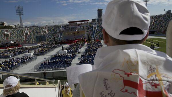 Папа Фрања одржао мису на празном стадиону, Грузија - Sputnik Србија