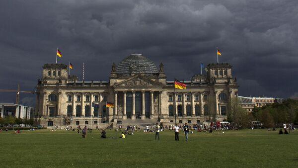Tamni oblaci iznad Bundestaga u Belrinu, Nemačka - Sputnik Srbija