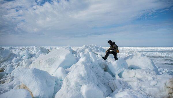 Svaki školarac zna da je svega 10 odsto ledenog brega iznad površine vode, dok skriveni podvodni deo može biti bilo koje veličine i oblika. - Sputnik Srbija