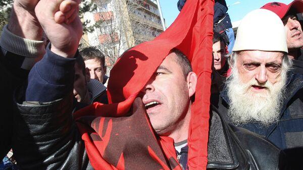 Albanci na Kosovu sa albanskim zastavima u Prištini - Sputnik Srbija