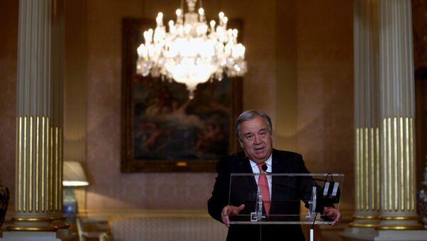 Novoizabrani generalni sekretar UN Antonio Gutereš govori na konferenciji za medije u Lisabonu - Sputnik Srbija