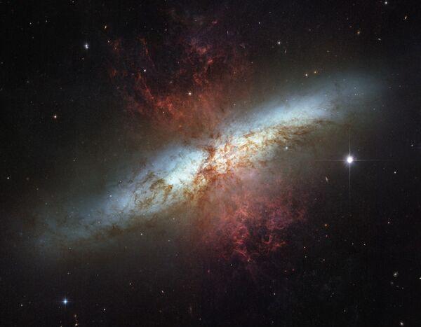 Спирална галаксија Месје 82 - Sputnik Србија