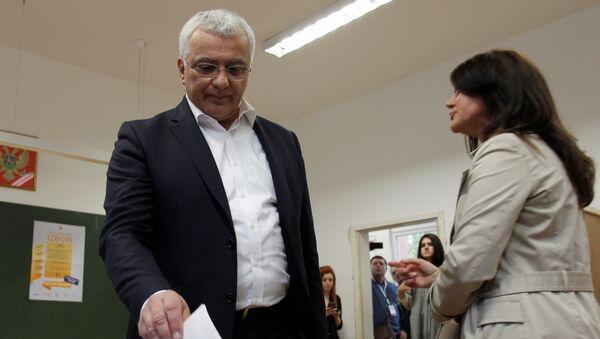 Лидер Демократског фронта Андрија Мандић гласао је на бирачком месту у Подгорици - Sputnik Србија