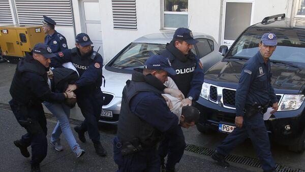 Црногорска полиција приводи осумњичене за планирање напада на дан избора - Sputnik Србија