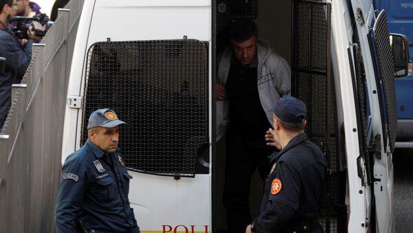 Crnogorska policija - hapšenje tokom izbornog dana - Sputnik Srbija