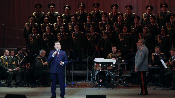 Akademski ansambl nacionalne garde rusije i Josif Kobzon - Sputnik Srbija