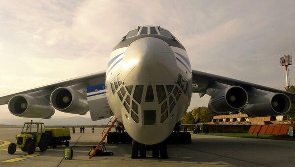 Iljušin na aerodromu u Nišu - Sputnik Srbija
