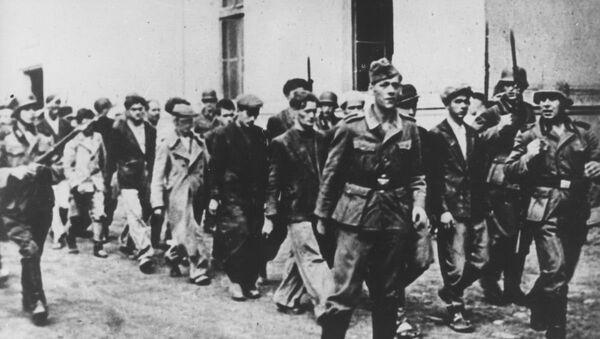 Nemci hapse građane za streljanje u Kragujevcu uoči 21. oktobra 1941. Među uhapšenim su i učenici razreda V/3 - Sputnik Srbija