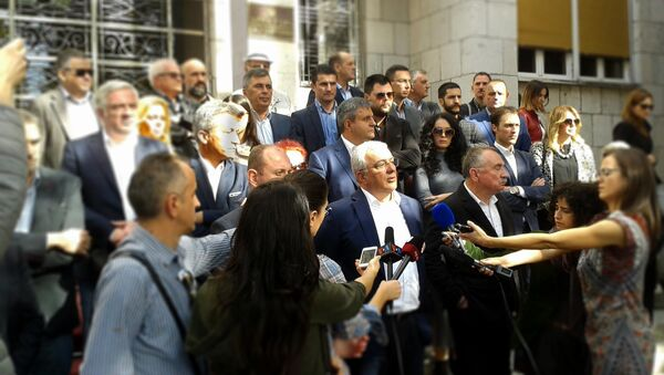 Конференција ДФ-а испред Скупштине Црне Горе - Sputnik Србија