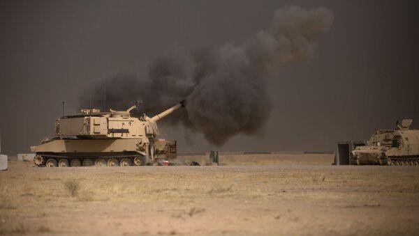 Američki sistem M109A6 Paladin pruža podršku iračkoj vojsci tokom operacije za oslobađanje Mosula - Sputnik Srbija