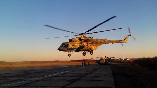 Ruski helikopteri u akciji. Video ministarstva odbrane RF na Dan vojne avijacije - Sputnik Srbija